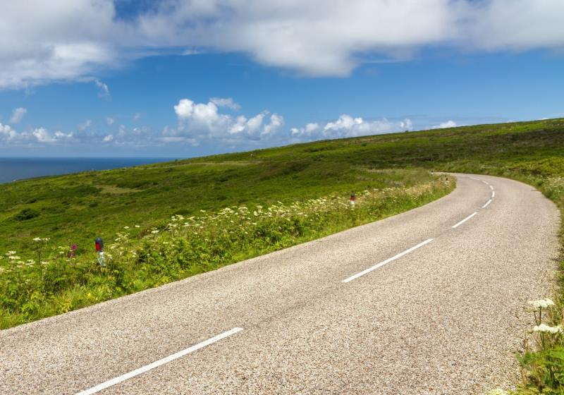 RoadTrip Motorcycle Tour - Cornish coast road