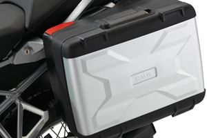 BMW R1200 GS luggage for hire from Roadtrip. Woking, Surrey, UK +44 (0)1483 662 135