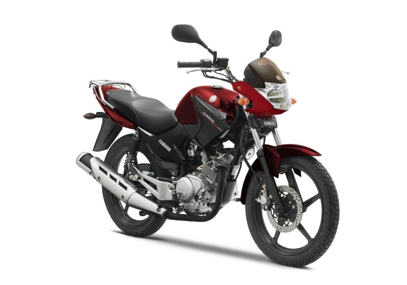 Yamaha YBR 125 motorbike for rent in London from RoadTrip. Woking, Surrey, UK +44 (0)1483 662 135