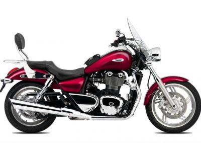 Hire a Triumph Thunderbird cruiser from RoadTrip - Woking, Surrey, UK +44 (0)1483 662 135