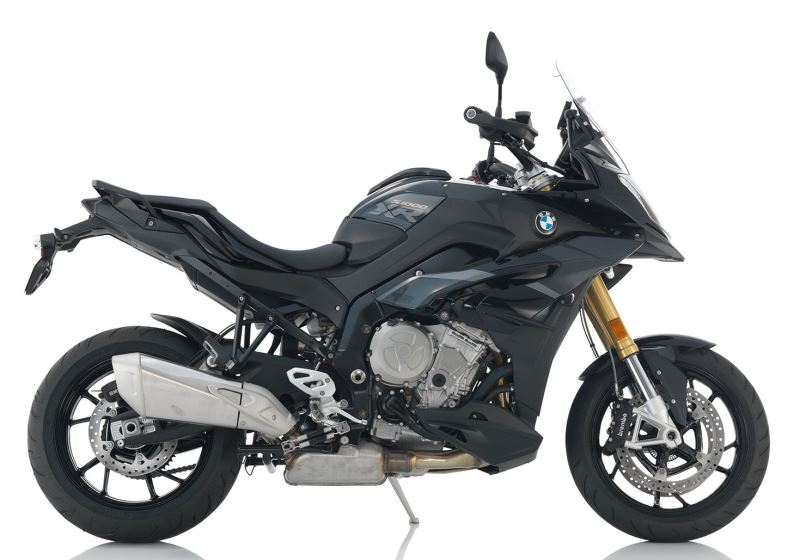 BMW R 1200 RT LE for hire from RoadTrip. Woking, Surrey, UK +44 (0)1483 662 135